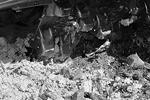 """Контрабандный сыр под траками бульдозера (фото: <a href=""""http://belnadzor.ru"""">Управление федеральной службы по ветеринарному и фитосанитарному надзору по Белгородской области</a>)"""