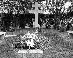 Могила Рахманинова на кладбище Кенсико близ  Нью-Йорка (фото: Anthony22/Wikipedia)