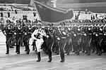 Открывая парад, китайский лидер Си Цзиньпин заявил о стремлении Китая к миру и масштабном сокращении республиканской армии на 300 тыс. человек (фото: Ng Han Guan/AP/ТАСС)