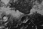 """Космический зонд New Horizons передал на Землю самые подробные и четкие снимки Плутона за всю историю межпланетных наблюдений. На них видно, что рельефы и ландшафты на поверхности этой карликовой планеты чрезвычайно разнообразны (фото: <a data-cke-saved-href=""""http://www.pluto.jhuapl.edu/"""" href=""""http://www.pluto.jhuapl.edu/"""">pluto.jhuapl.edu</a>)"""