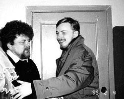 Защищаясь от социального холода, люди охотно согревали друг друга и держали двери нараспашку (фото: из личного архива)