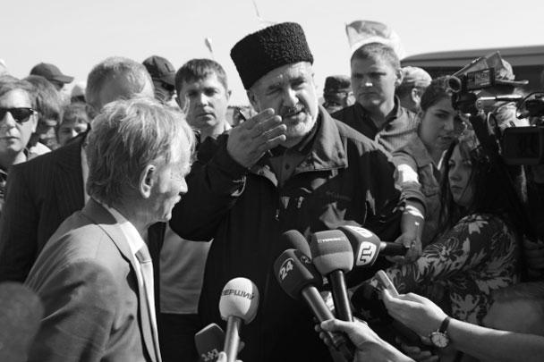 Мустафа Джемилев (слева) и Рефат Чубаров – одиозные националисты, возглавлявшие не зарегистрированный «меджлис» и крайне агрессивно отреагировавшие на воссоединение Крыма с Россией
