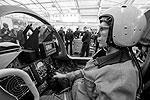 Кубинка. Макет кабины боевого самолета (фото: Сергей Савостьянов/ТАСС)