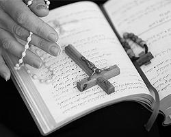То, что религиозные чувства кажутся кому-то лишними – ничего не значит (фото: Ali Jarekji/Reuters)