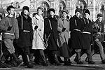Эстафету парадного марша приняли будущие защитники России – воспитанники суворовских училищ, кадеты. По Красной площади прошли также будущие дипломаты и переводчики, военные летчики (фото: Станислав Красильников/ТАСС)