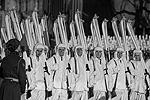 По Красной площади прошли 45 парадных расчетов – военнослужащие Минобороны России и кавалерийская группа президентского полка ФСО России в форме одежды 1941 года (фото: Александр Вильф/РИА Новости)