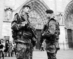 Цель терактов стала уже ясной (фото: Charles Platiau/Reuters)