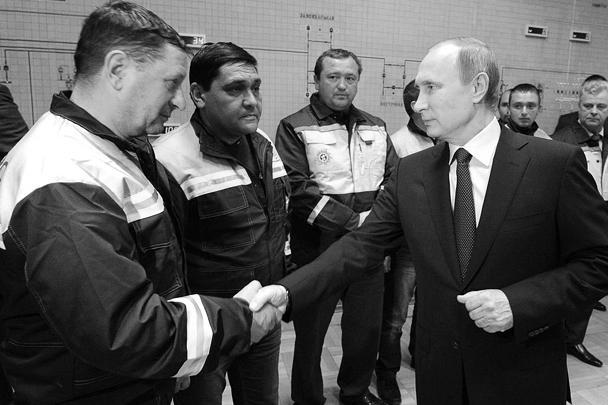 Путин поручил к началу летнего сезона полностью заместить в Крыму электроэнергию, получаемую с Украины