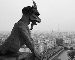 Говорят, что вот это самое зло тем и сильно, что в него никто не верит (фото: Wikipedia/Grzegorz Jereczek)
