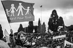 Массовая манифестация в поддержку традиционной семьи прошла в субботу в Риме; по утверждению организаторов, в акции приняли участие около 2 млн человек. Манифестация проводилась с целью не допустить принятия в национальном парламенте законопроекта, приравнивающего права однополых союзов к правам традиционных семей (фото: Giuseppe Ciccia/ZUMA/ТАСС)