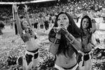 Украшением праздника стали девушки-чирлидеры (фото: Jae C. Hong/AP/ТАСС)