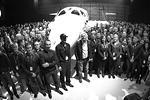 Презентация корабля прошла в калифорнийской пустыне Мохаве, а церемонию лично вел основатель корпорации Virgin Ричард Брэнсон (фото: Gene Blevins/ZUMA/Global Look Press)