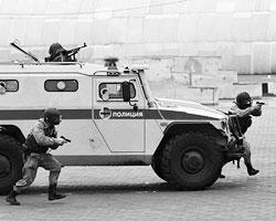 В «мирных» условиях применение оружия правоохранителями – самая крайняя мера.(фото: Андрей Стенин/РИА Новости)