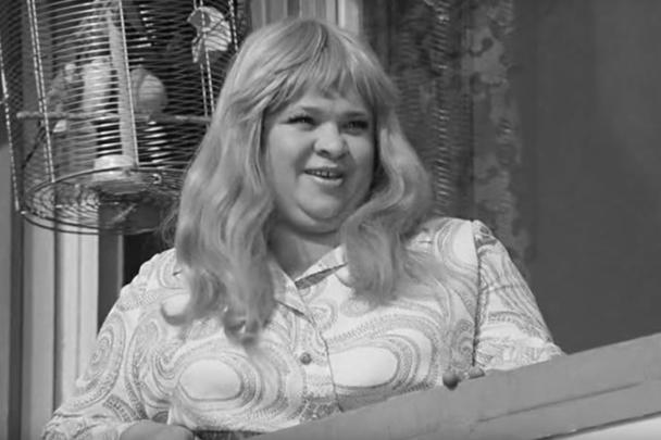Крачковская в роли жены Бунши из «Иван Васильевич меняет профессию», несмотря на нечастое появление в кадре, стала одной из визитных карточек этого фильма