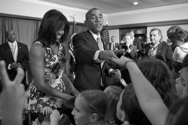 Первую встречу с общественностью Барак Обама и его жена Мишель провели в отеле Мелиа Хабана. Поприветствовать президента США пришла молодежь и семьи с детьми