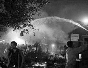 В центре столицы Индии Нью-Дели в субботу прогремели три взрыва