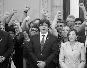 Карлес Пучдемон не намерен подчиняться воле Мадрида, но исключительно мирными средствами