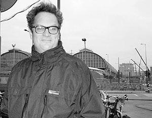 Стив Корвер редактор амстердамской газеты «Weekly»