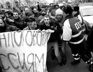 Митинг на главной площади Минска собрал больше 2 тыс. человек