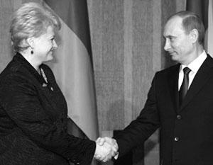 В 2010 году Грибаускайте совсем иначе описывала встречу с Путиным: он «приглашал меня» к сотрудничеству
