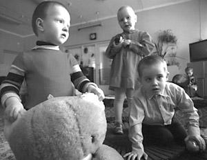 Все больше российских детей усыновляются иностранцами