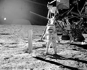 Следующая высадка американских астронавтов на Луну планируется на март 2017 года