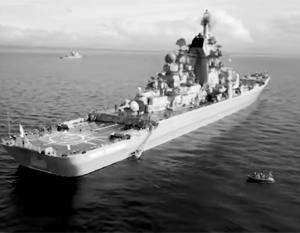 Военно-морской парад в Петербурге обещает стать грандиозным – на него с Северного флота прибыл крейсер «Петр Великий»