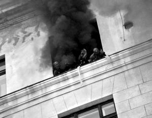 По словам очевидцев, дым из Дома профсоюзов шел не только обычного черного цвета, но местами – желтого, что указывает на химическую атаку