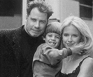 Джон Траволта с женой Келли Престон и сынов Джеттом