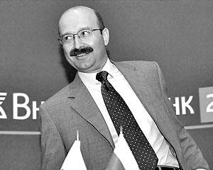Глава банка «ВТБ – Розничные услуги» Михаил Задорнов