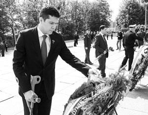 Антон Алиханов принял участие во всероссийской патриотической акции «Свеча памяти»