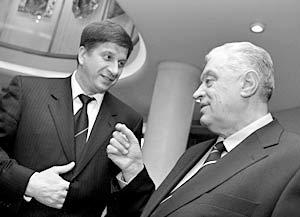 Лидер Социал-демократической партии России Владимир Кишенин и председатель крымского парламента Леонид Грач