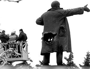 Памятник Ленину взорвали в Петербурге