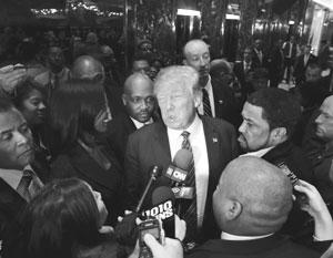 По мнению Николая Злобина, Дональд Трамп впервые в жизни оказался в ситуации, когда он приказывает, а приказы не исполняются