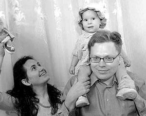 Алексей Ульянов с семьей