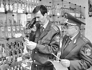 По мнению главы МВД, ограничение на торговлю спиртным в круглосуточных магазинах следует закрепить на законодательном уровне