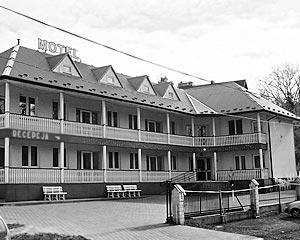 «Мотели будут очень удобными для автотуристов. Они смогут ставить без тревоги своих «железных коней» и отправляться дальше смотреть город», - уверен Лужков.