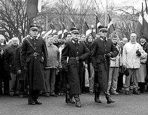 Шествие памяти латышских легионеров СС проводится ежегодно, и помешать ему оказалась не способна даже Рижская  дума