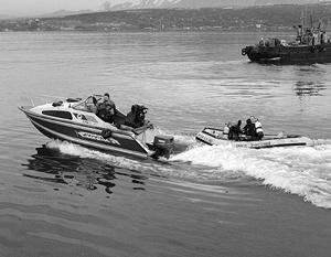 Пропавших рыбаков ищут спасатели