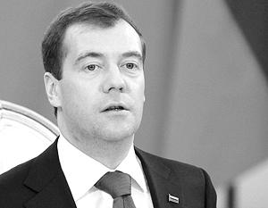 """Медведев предложил  """"залоговую """" схему губернаторских выборов."""