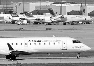 Самолет авиакомпании Comair упал недалеко от аэропорта Блюграсс в городе Лексингтон