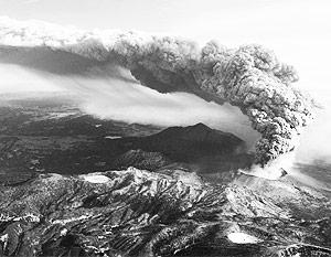Извержение вулкана Синмоэ началось в Японии