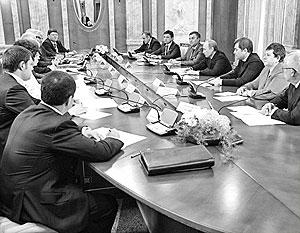 Владимир Путин обсудил основы создания Народного фронта
