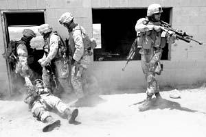 Боеготовность вооруженных сил США  самая низкая со времен Вьетнама