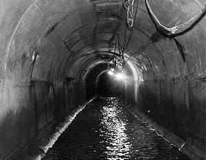 В переулке Каманина, что на 8-й станции Большого Фонтана, выявлена течь в канализационном коллекторе диаметром 800 мм.