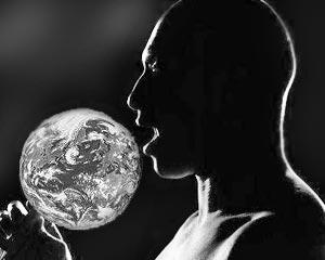 Запросы человека начинают превалировать над способностью Земли обеспечивать его ресурсами и абсорбировать наносимый им урон