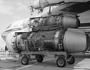 Ил-76 : средний военно-транспортный самолёт.