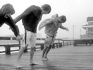Мощный ураган обрушился на Камчатку