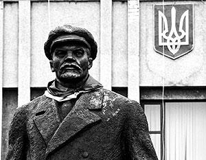 Безудержная борьба с советским прошлым поставила депутатов Рады в щекотливую ситуацию