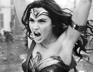 Многих феминисток взбесили подмышки актрисы Галь Гадот – ведь «настоящая Чудо-женщина» их брить не должна